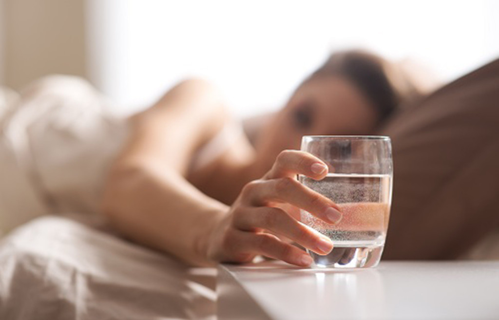 See What Happens When You Drink Water After You Get Out Of Bed!