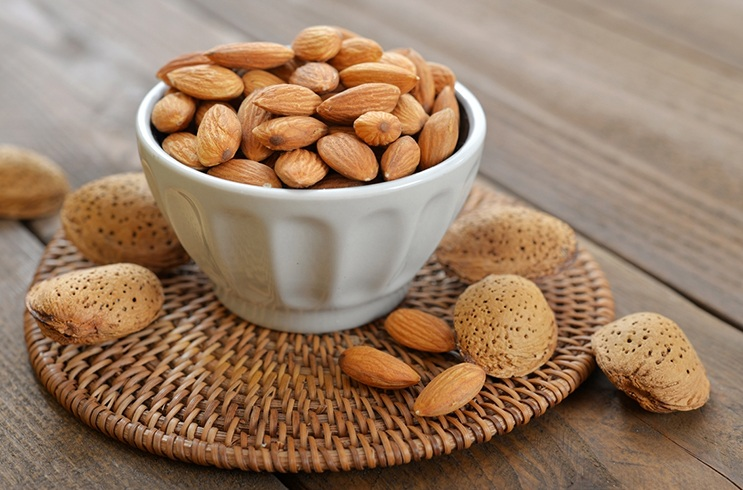 Almond Nutrition Facts And Uses